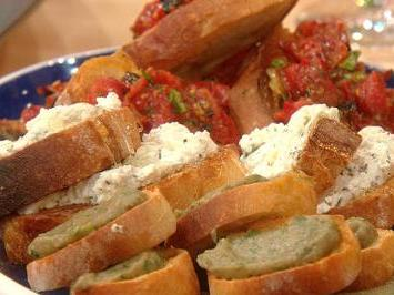 Ricotta, Garlic, and Honey Bruschetta