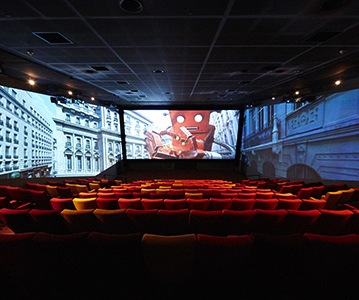Beyond 3-D: Movie Theaters Try Out 3-Screen Immersion Viewing